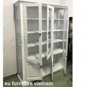 tủ trưng bày màu trắng cỡ lớn